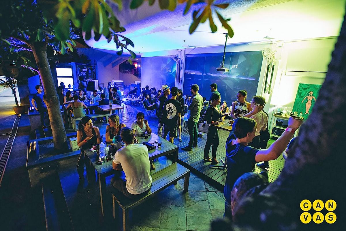 quán bar ở Singapore